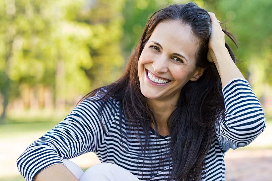 Smiling woman - DigniCap®